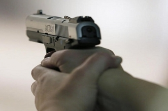 شرطي يستخدم سلاحه الوظيفي لتوقيف مبحوث عنه وطنيا