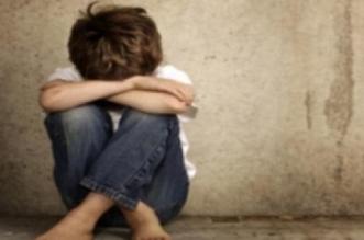 """فيديو لـ""""بيدوفيل"""" يعتدي على طفل جنسيا يثير الحيرة بميدلت وحقوقي يوضح"""