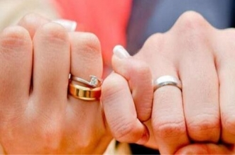 """أزمة """"كورونا"""" تجبر المغاربة على """"التراجع"""" عن الزواج وعدل يشرح لـ """"سيت أنفو"""""""