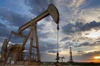 انخفاض أسعار النفط بفعل زيادة في مخزونات البنزين