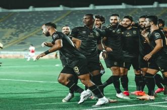 موسيماني يحشد جميع لاعبيه لمواجهة الوداد
